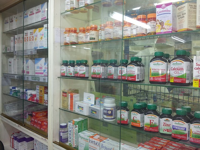 léky za vitrínou